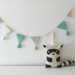 beig blanco mint banderola de crochet handmade kids deco pipolart cojin mapache