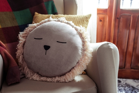 cojin ila y ela artesanal hecho a mano decoracion infantil leon lino algodon handmade