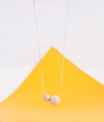collar cuentas esferas bolas madera pulida minimalista natural platino circletwo