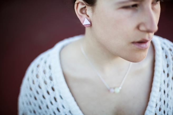 pendiente triangulo madera collar piedras semipreciosas platino cuarzo plata rosa minimal handmade pipolart