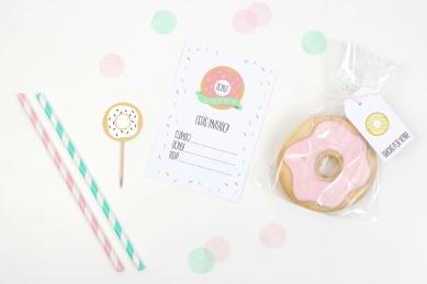 decoracion fiesta infantil descargables papeleria donut tematica color pastel invitaciones