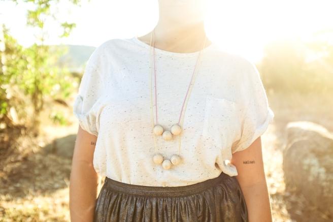 collar  hecho a mano cordon algodon regulable colores pastel fluor pipolart pipol-art   bolas madera grandes