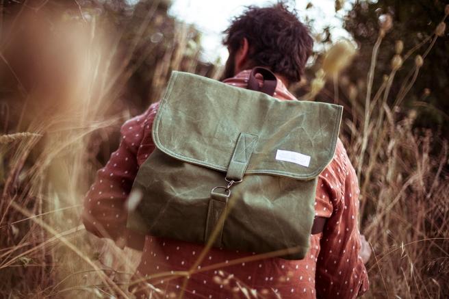 mochila loneta bolsillo interior exterior cremallera pipolart pipol art unisex verde