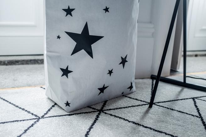 bolsas papel the paper bag le sac en papier pintada a mano estrellas stars detalle estilo nordico almacenaje todas habitaciones pipolart shop para bolsos