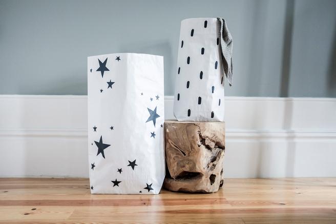 bolsas papel the paper bag le sac en papier pintada a mano rain lluvia estrella stars detalle estilo nordico almacenaje todas habitaciones pipolart shop para bolsos