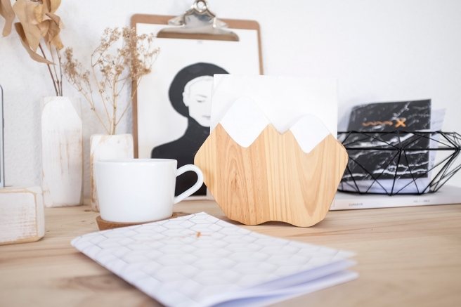 decoracion-mobiliario-madera-estilo-nordico-decapado-blanco-pipolart-pipol-art-servilletero-montana-nieve