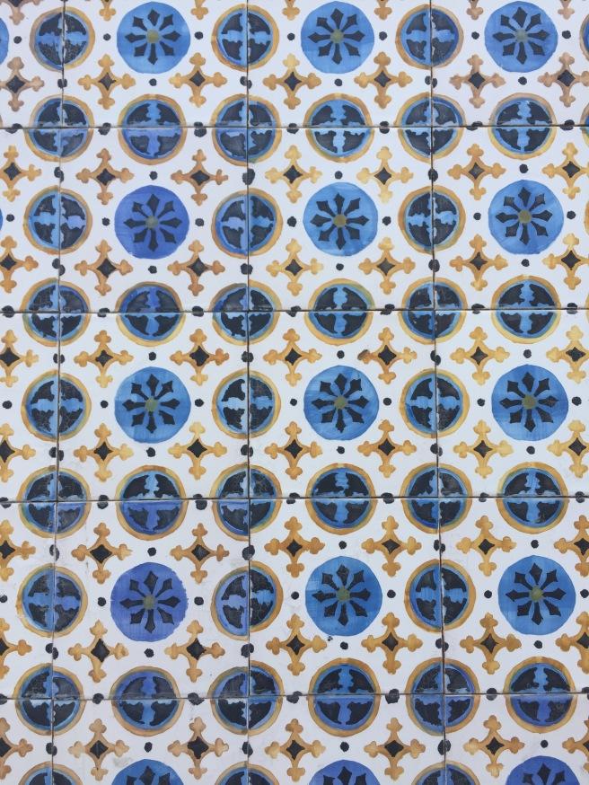 oporto porto emilio jimenez pipolart pipol art casa abandonada puente azulejos típicos