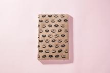 serigrafia-una-tienda-estuches-libretas-neceser-algodon-a-mano-papel-reciclado-estampado-pipolart-pipol-art-donuts-rosquillas-libreta-a5