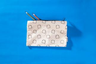 serigrafia-una-tienda-estuches-libretas-neceser-algodon-a-mano-papel-reciclado-estampado-pipolart-pipol-art-tostada-estuche-neceser