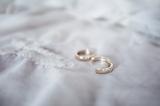 bisuteria-joyeria-chapado-oro-minimalista-must-have-esenciales-pipolart-pipol-art-pendientes-aro