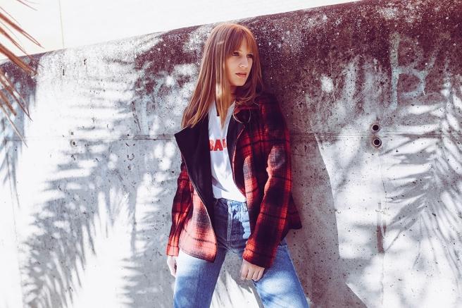 pipolart-pipol-art-chaqueta-perfecto-biker-cuadros-negro-rojo-pano-lana-moda-hecho-en-espana-jeans-levis-retro-camiseta