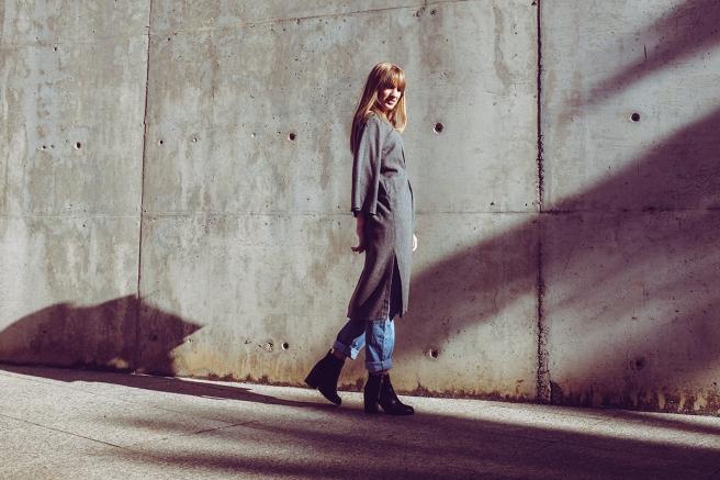 pipolart-pipol-art-vestido-gris-oscuro-lana-mangas-anchas-oversize-cocoon-moda-hecho-en-espana-vuelo-jeans-retro-levis