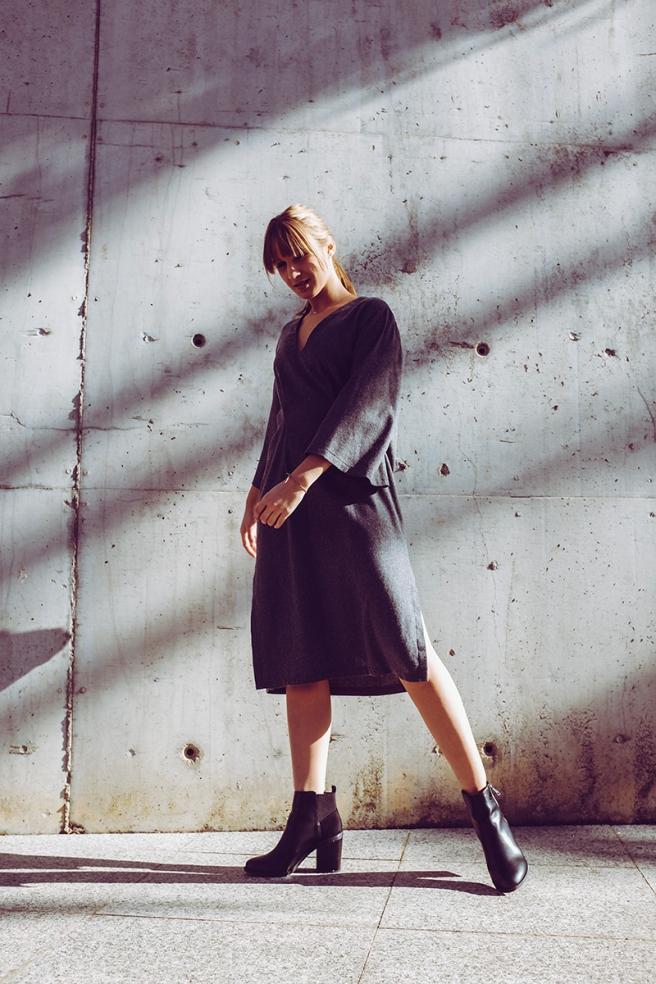 pipolart-pipol-art-vestido-gris-oscuro-lana-mangas-anchas-oversize-cocoon-moda-hecho-en-espana