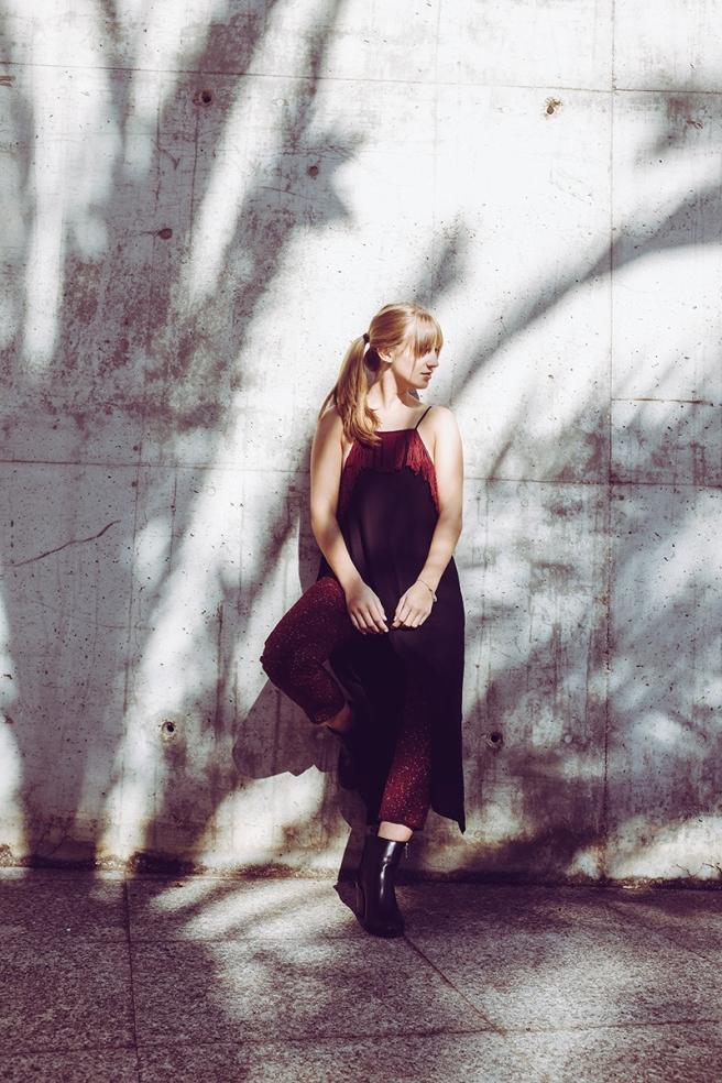 pipolart-pipol-art-vestido-negro-corte-asimetrico-tirantes-flecos-moda-hecho-en-espana-vestido-con-pantalon