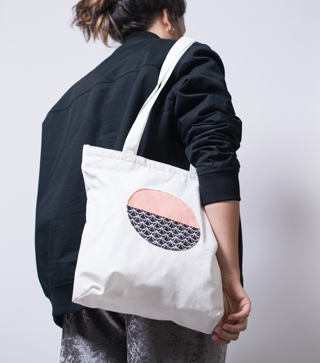 pipolart-pipol-art-tote-bag-bolso-tela-loneta-hecho-a-mano-cosido-a-mano-circulo-melocoton-estampado-olas-principal