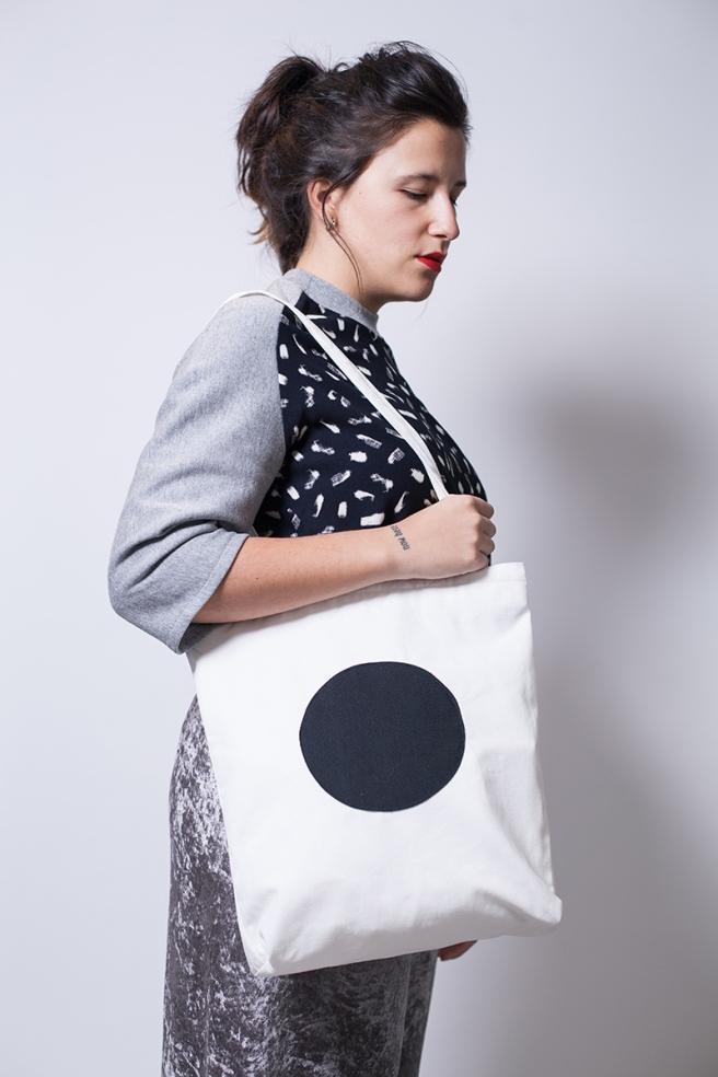 pipolart-pipol-art-tote-bag-bolso-tela-loneta-hecho-a-mano-cosido-a-mano-circulo-negro