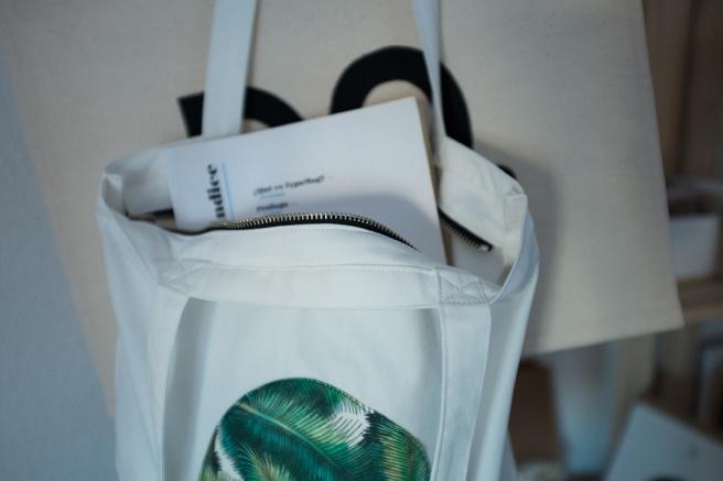 pipolart-pipol-art-tote-bag-bolso-tela-loneta-hecho-a-mano-cosido-a-mano-estampado-palmeras-detalle-costura