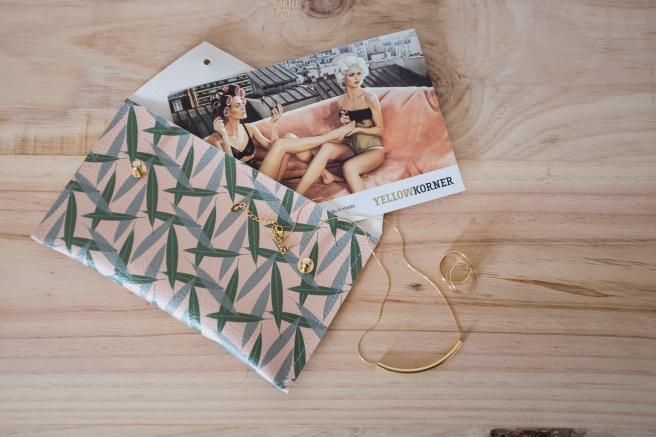 bolso-de-mano-cartera-ecopiel-estampado-hojas-de-olivo