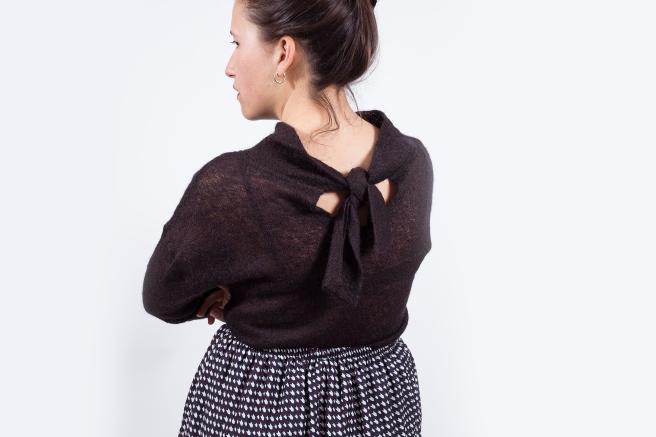 jersey-negro-lazada-lazo-en-la-espalda-semi-transparente-detalle