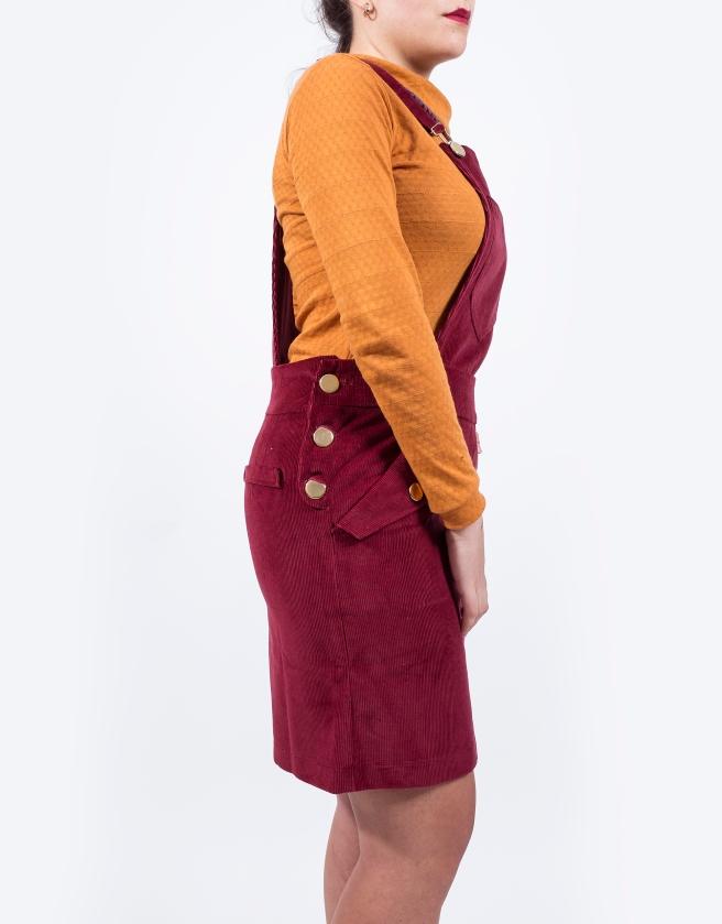 peto-falda-mono-pana-granate-camiseta-retro-mostaza-hecho-en-espana-pipolart-pipol-art-lateral