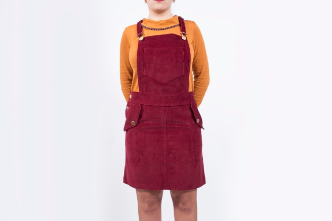 peto-falda-mono-pana-granate-camiseta-retro-mostaza-hecho-en-espana-pipolart-pipol-art