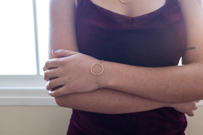 pulsera-circulo-chapado-oro-minimal-minimalista-pipolart-pipol-art