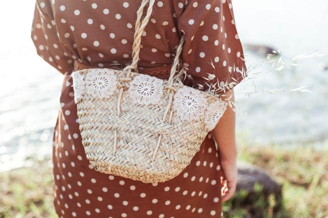 cesto cesta canasto capazo palma tamaño pequeño asa larga pipolart artesania flores de ganchillo pipolart