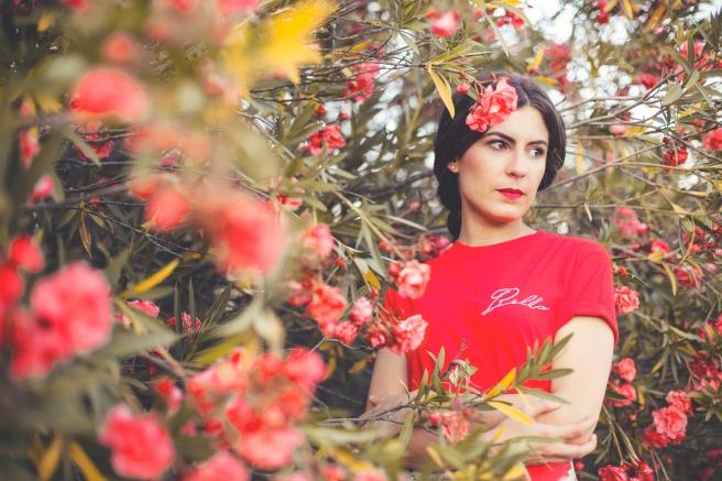 falda con solapa estampado flores turquesa rojo hecha a mano en españa pipolart pipol art
