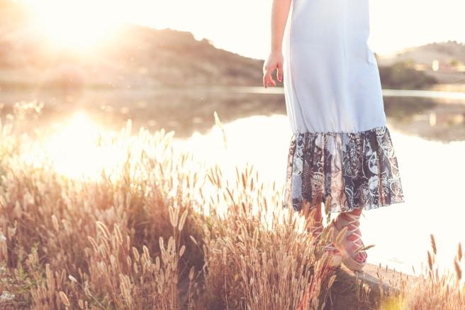 vestido minimal celeste volante estampado hecho a mano pipolart