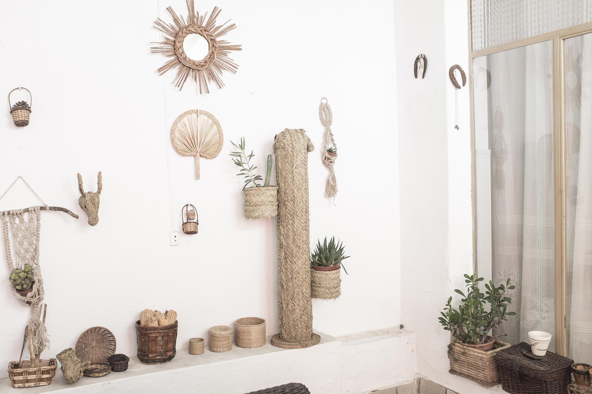 decoracion fibra natural cestería mimbre palma cactus espejo cabezas de burrito pipolart artesania española cactus macetero lampara pintada pipol art hecho a mano inspiracion rustica