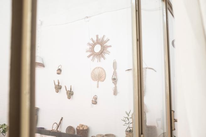 decoracion fibra natural cestería mimbre palma cactus espejo cabezas de burrito pipolart artesania española
