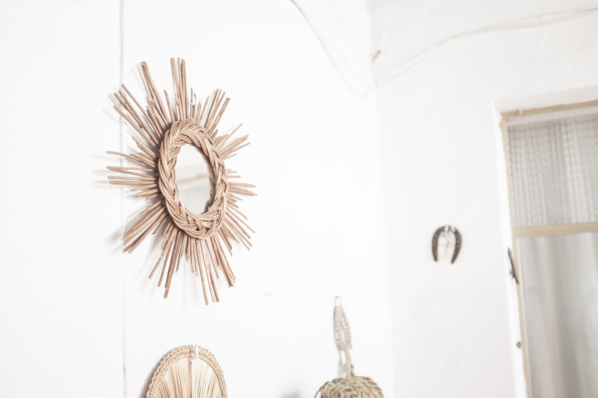 espejo retro forma de sol fibra natural artesanía española pipolart